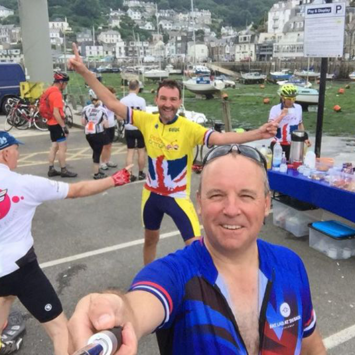 Cyclist brew stop on Land's End to John O'Groats cycle tour